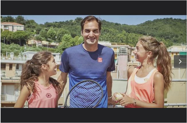 Roger Federer And Italian Girls